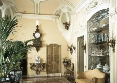 Stucco Room