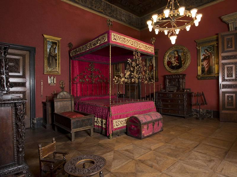 Red Room - Bagatti Valsecchi House Museum