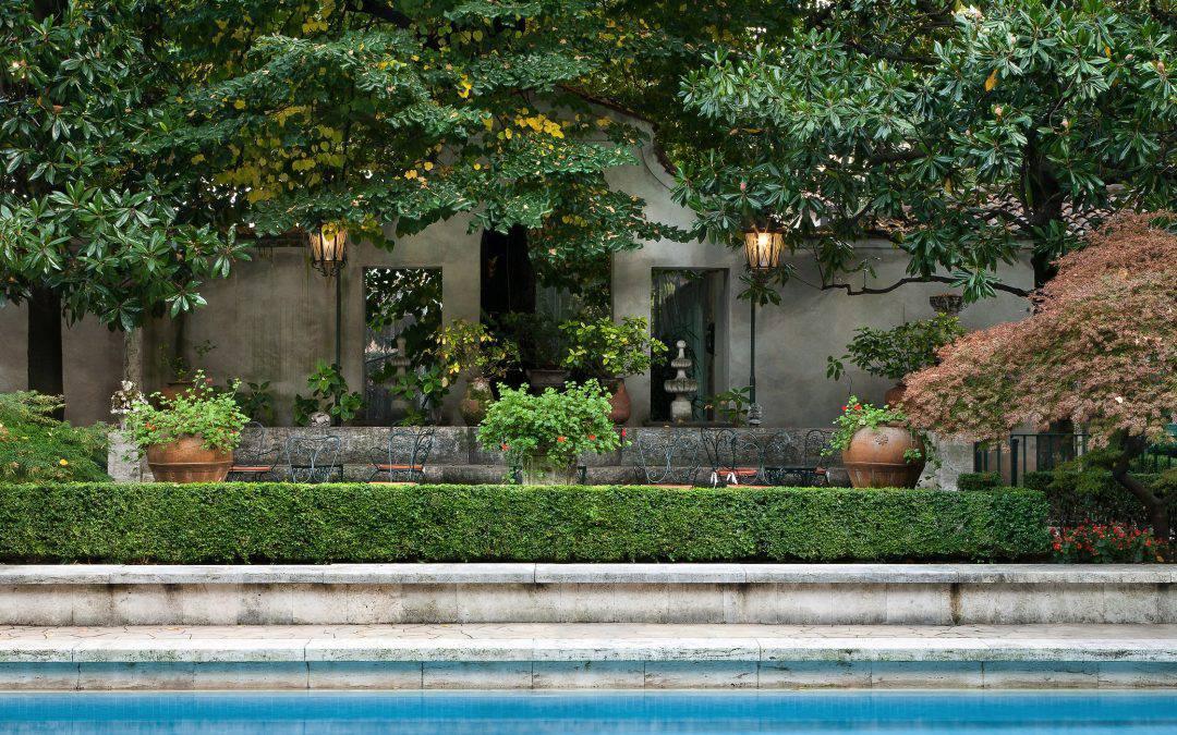 Dai Giardini pubblici di Via Palestro al giardino privato di Villa Necchi Campiglio